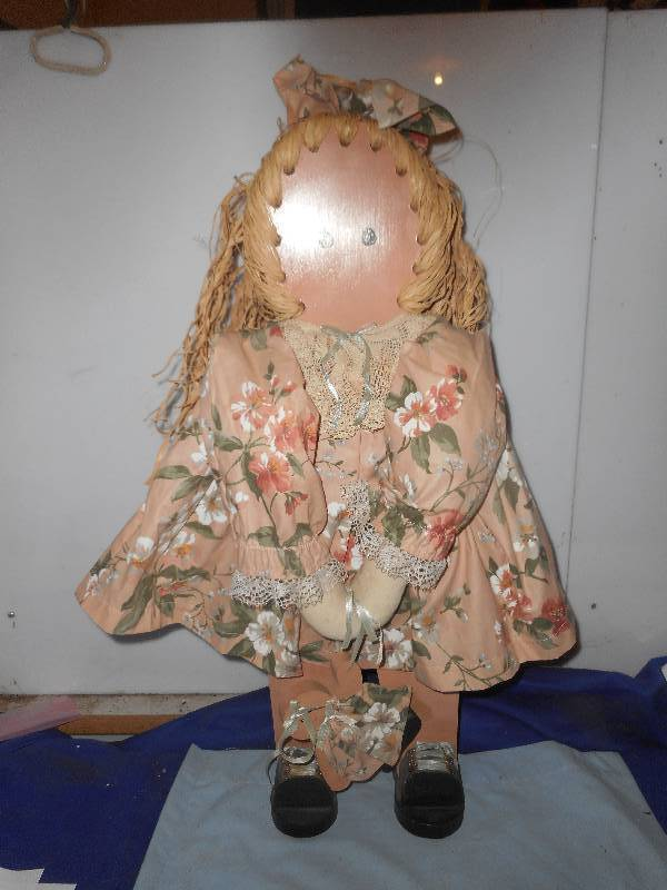 DECRATIVE WOODEN DOLL