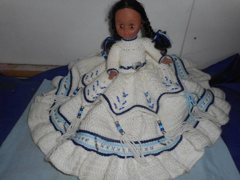 COLLECTIBLE INDIAN DOLL