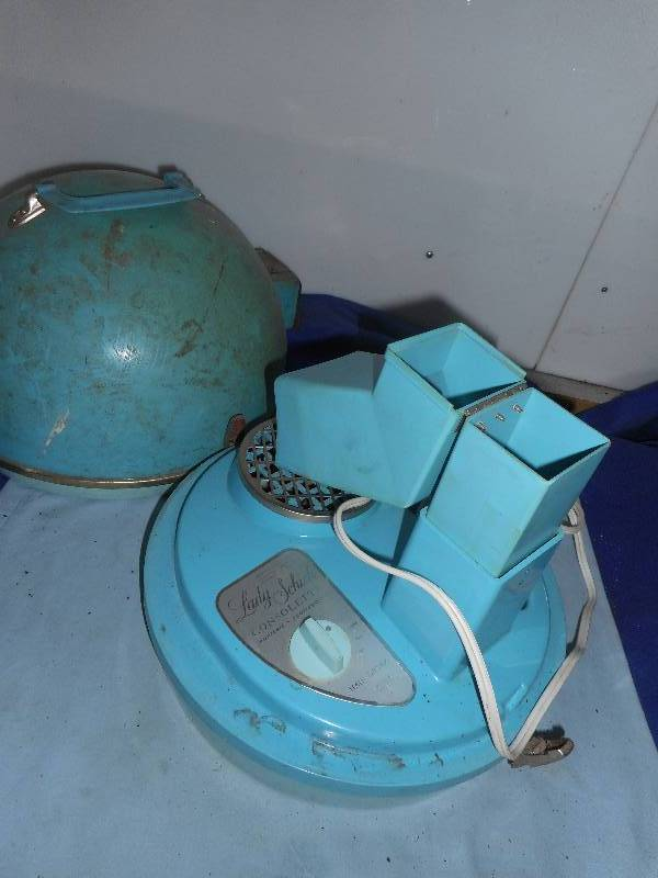 VINTAGE LADY SCHICK HAIR DRYER