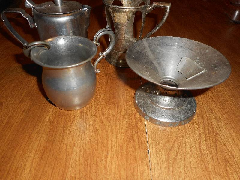 COLLECTIBLE METAL WARE