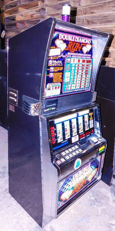 Double Diamond Run Slot Machine
