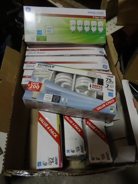 NEW LARGE LOT Compact Fluorescent Light Bulbs (CFL). Qty 52 Bulbs a few will be broken At lease qty 45 good bulbs