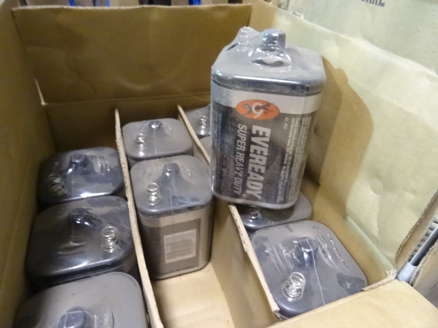 NEW Qty 10 Eveready 6 Volt Lantern Batteries PN 1209. Retail $44