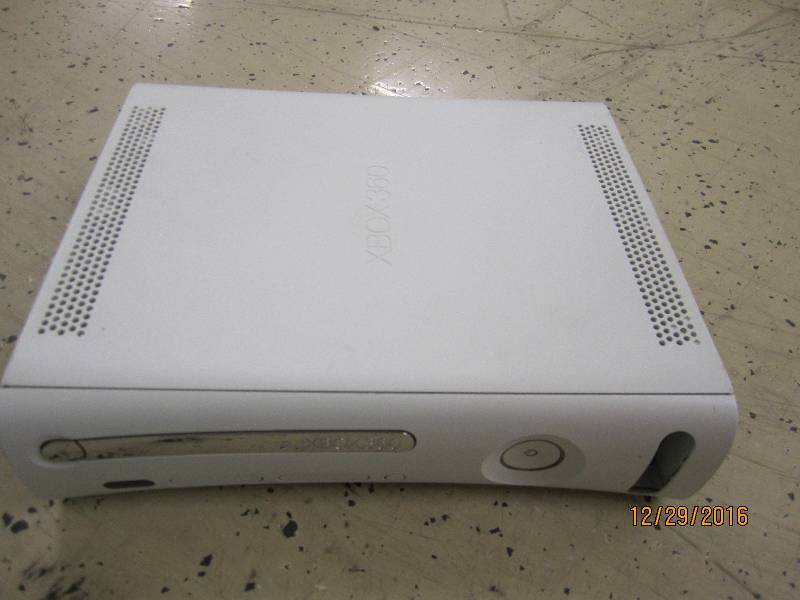 Xbox 360 tested used no cords sold ...
