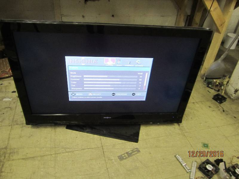 Insignia TV tested to power on appea...