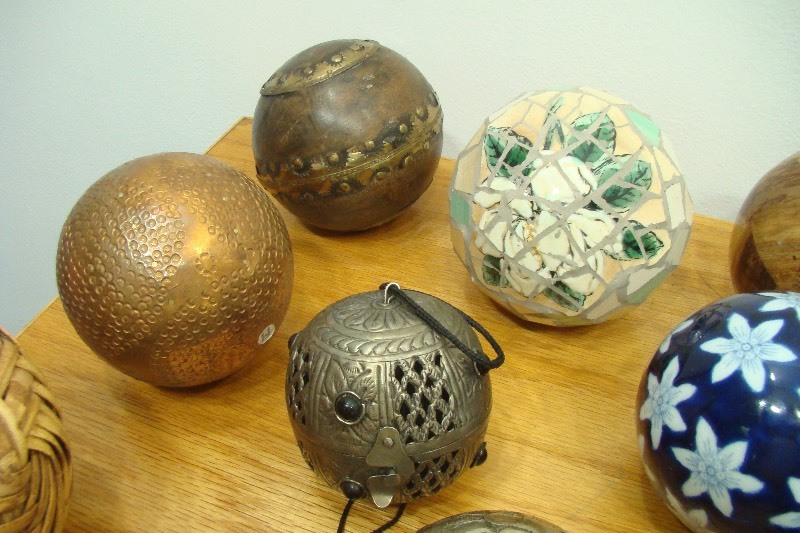 Large lot of decorative balls ornaments etc ec