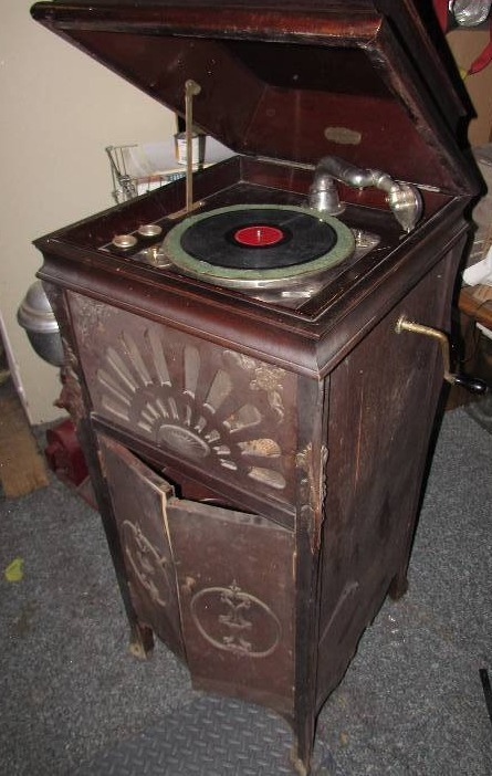 Genial Antique Steinway Cabinet Phonograph | January Consignment Auction | K BID