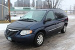 2005 Chrysler Town & Country Touring Edition Stow 'N' Go