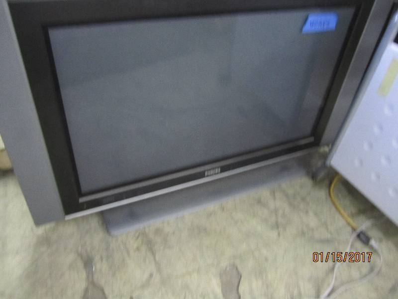 philips 42 inch tv with stand test electronics. Black Bedroom Furniture Sets. Home Design Ideas