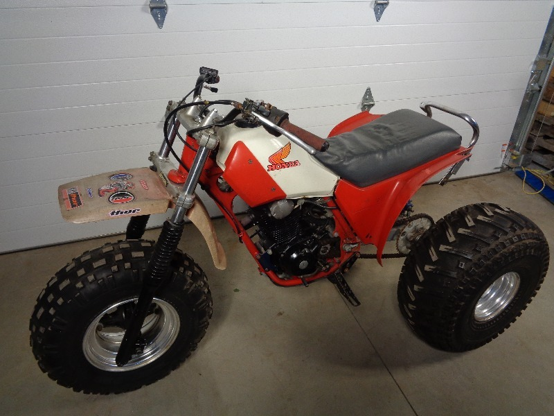 1984 Honda Atc 200x 3 Wheeler 07 Ski Doo Gsx 1984 Honda 3 Wheelers Sled Parts No Reserves K Bid