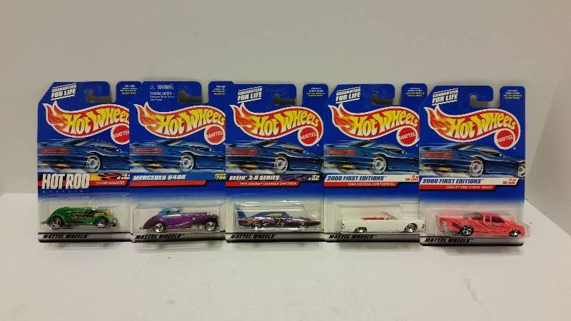 lot of 5 hot wheels cars in original packaging see pictures for styles and series matchbox. Black Bedroom Furniture Sets. Home Design Ideas