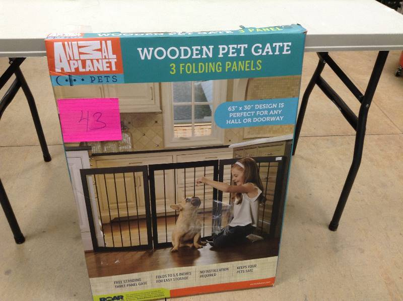Animal Planet Wooden Pet Gate 3 Folding Panels 63 Quot X30