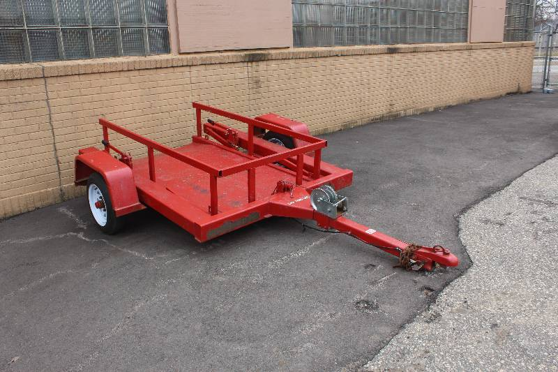 Hydraulic Lowering Trailers : Premier hydraulic lowering deck trailer hiawatha