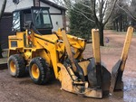 Mustang 770 Owatonna Front End Loader With Clegg Tree Spade