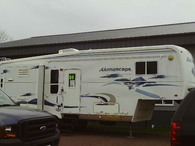 2004 holiday rambler 27rkd 5th wheel koppy motors of for Koppy motors of hinckley