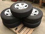 Set Of (5) Jeep Wheels & Tires Remo...