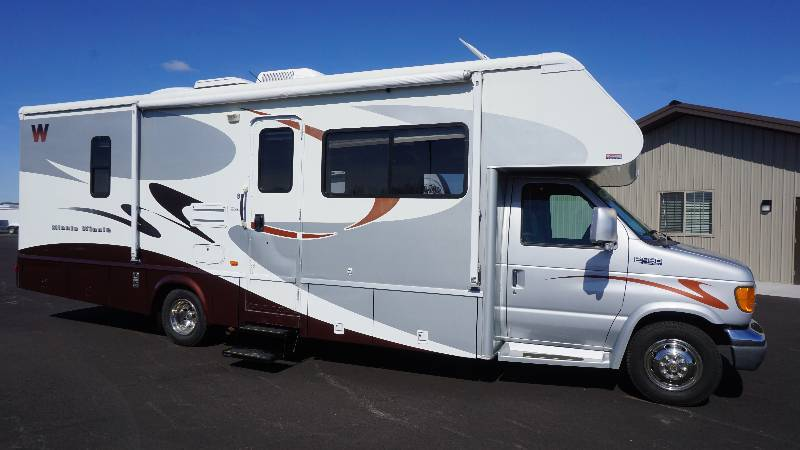 2005 Winnebago Minnie Winnie 30V Class C Motorhome w/Double Slide