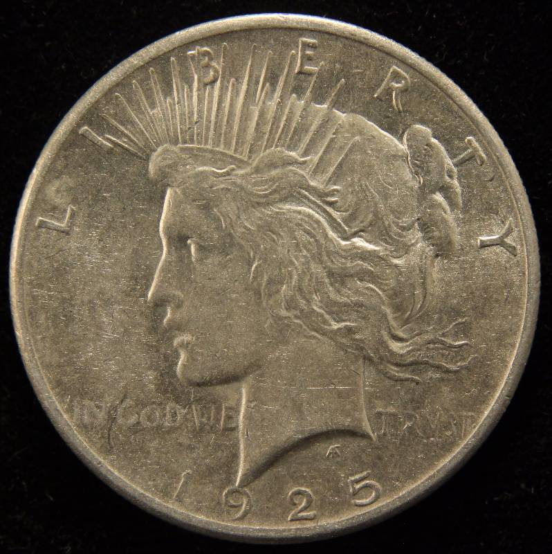 1925 PEACE SILVER DOLLAR XF