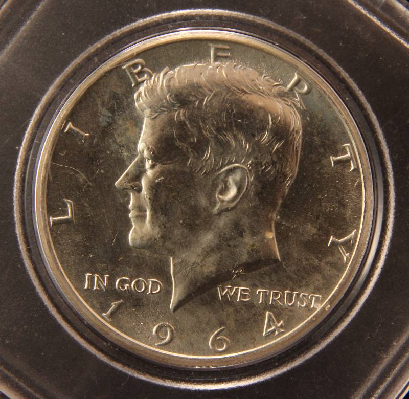 1964-D KENNEDY SILVER HALF DOLLAR UNC IN CASE