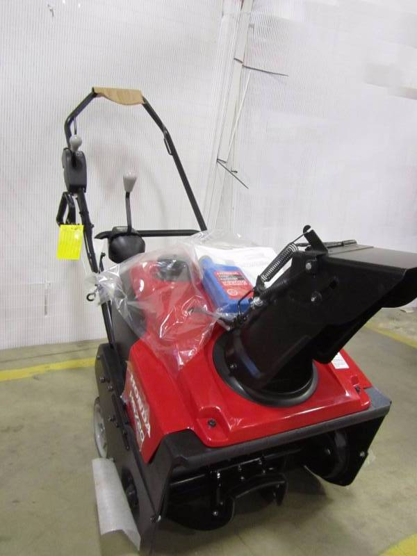 Honda HS720AS 20 In. Single Stage Electric Start Gas Snow Blower | MN Home  Outlet Auctions #4 | K BID