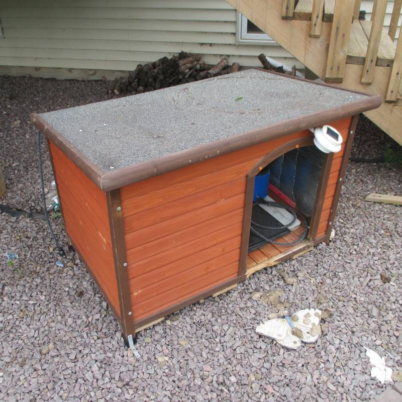 Insulated Dog House W Electric Heating Pad Campers