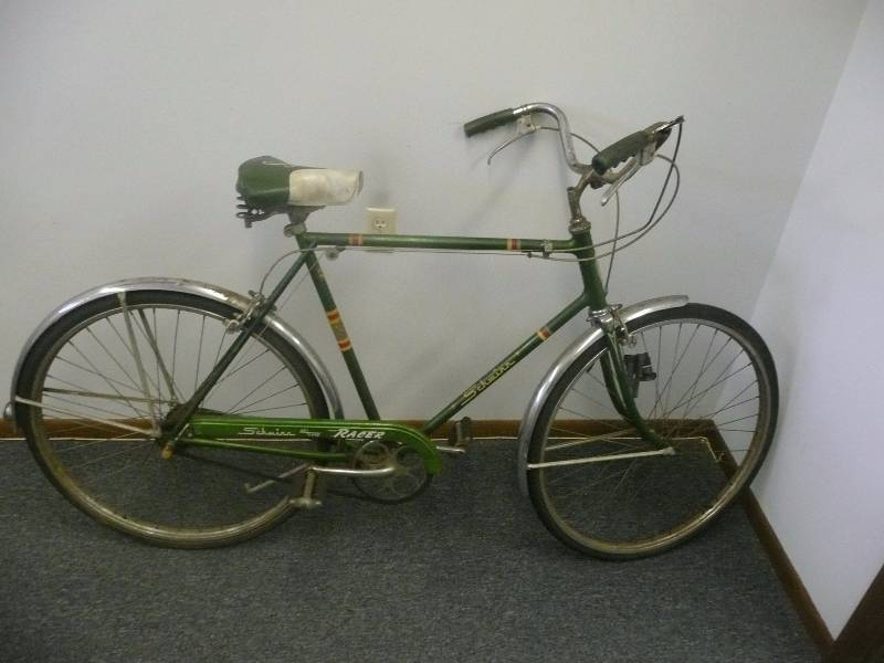 256c8c05390 VINTAGE 1960's SCHWINN DELUXE RACER - 3 SPEED BIKE - LOOKS TO BE IN  ORIGINAL CONDITION! - SEE PICTURES | Wicked Awesome Antique Bicycles, Pedal  Cars and ...