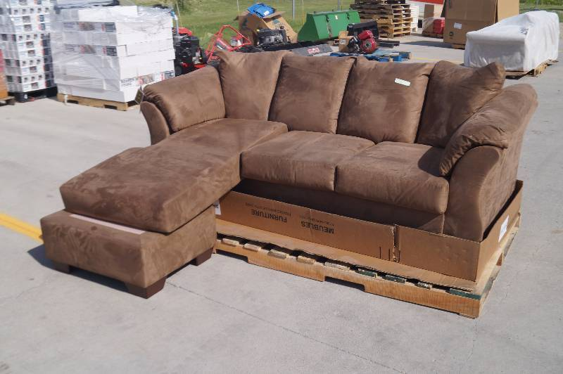 Ashley sofa moorhead liquidation store returns for Liquidation de sofa
