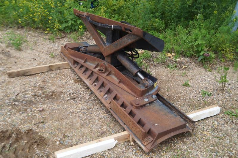 Grouser Dozer Blade | Lakes Area Farm Sale | K-BID