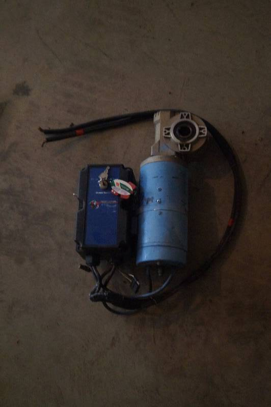 Boat lift electric motor lakes area farm sale k bid for Electric boat lift motor