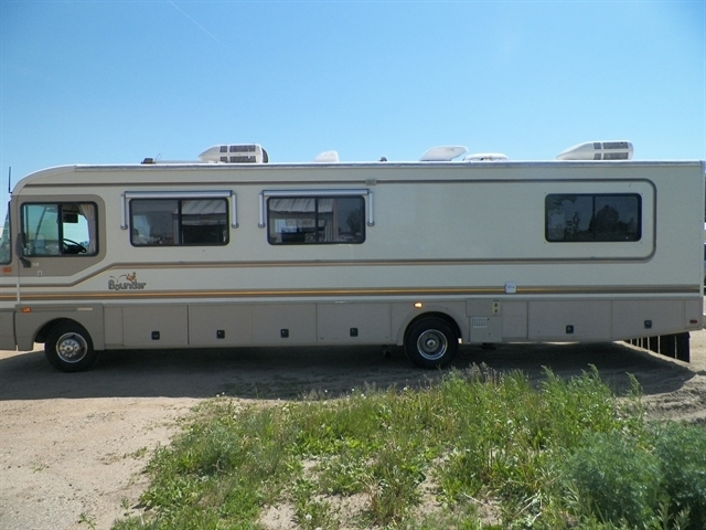 1996 Bounder Motor Home M 34p 1996 Bounder Motorhome 1979 Lincoln Continental Mark V K Bid