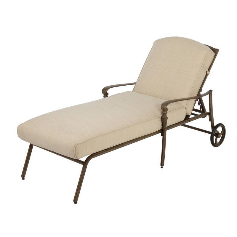 Hampton bay cavasso metal outdoor chaise lounge with for Chaise de patio