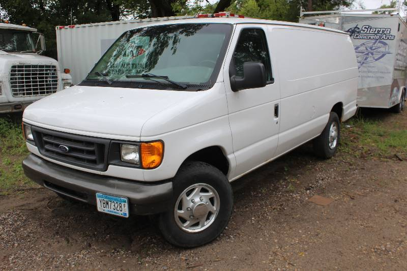 2003 Ford Econoline E-350 Super Duty 3-Door Extended Cargo ...