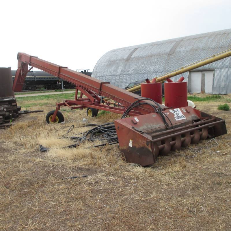 Summer Ag Equipment Auction in Aberdeen, South Dakota by S&S