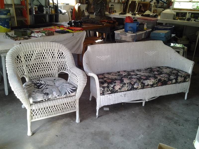 Vintage Wicker Couch (70 Inches Long) & White Wicker Chair | Ramsey, MN - Antique  Furniture, Vintage Toys, Unique & Rare Collectibles | K-BID - Vintage Wicker Couch (70 Inches Long) & White Wicker Chair Ramsey
