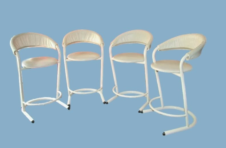 Superb Fantastic Retro 4 Amisco White Tubular Bar Stools With Zip Alphanode Cool Chair Designs And Ideas Alphanodeonline