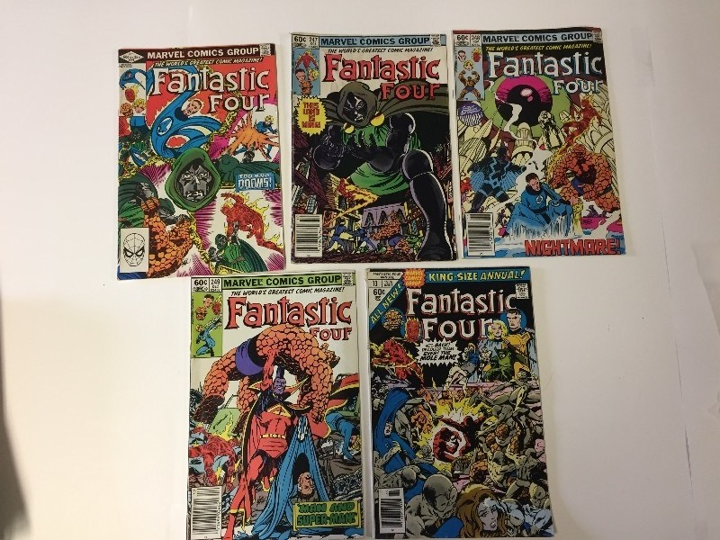 5 Marvel FANTASTIC FOUR Comic Books 60 cents
