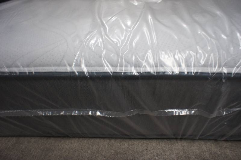 New Queen Size Sealy Ashton Cushion Firm Ltd Plus Mattress Msrp 1499 99 Massive