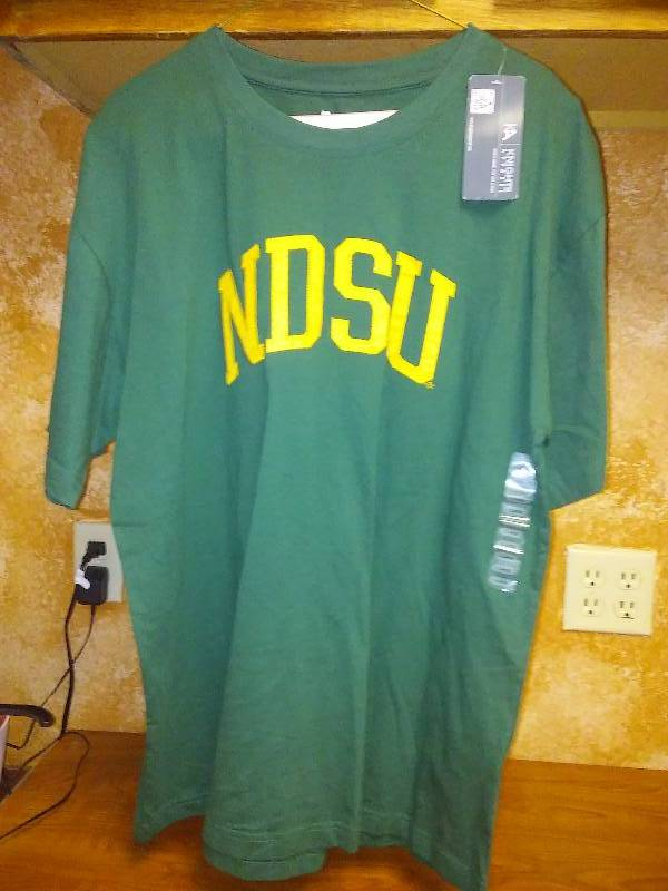 NEW NDSU BISON NCAA embroidered T Tee shirt XL Green