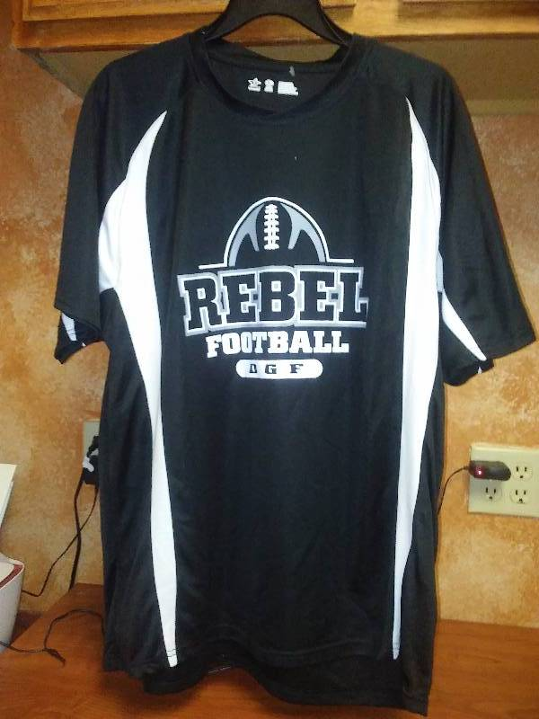 DGF Rebels Football T shirt XL