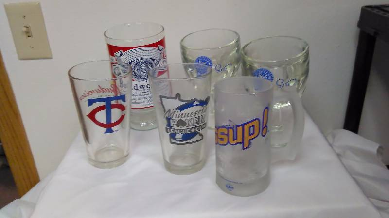 Vintage Budweiser Glasses (2) and PBR (2) MN Twins