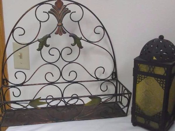Cute D�cor Lot Metal Wall Basket, Ceramic and glass