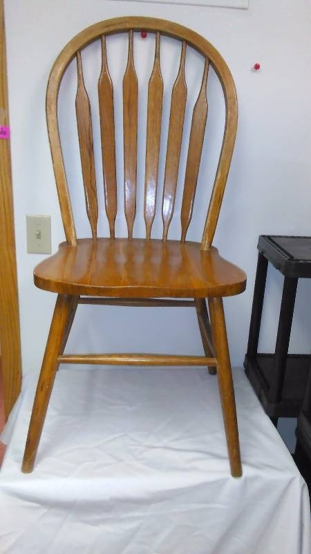 Oak Round Spindle Chair (2)