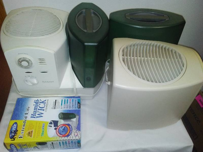 Robitussin Humidifiers (2) and replacement filters (clean)