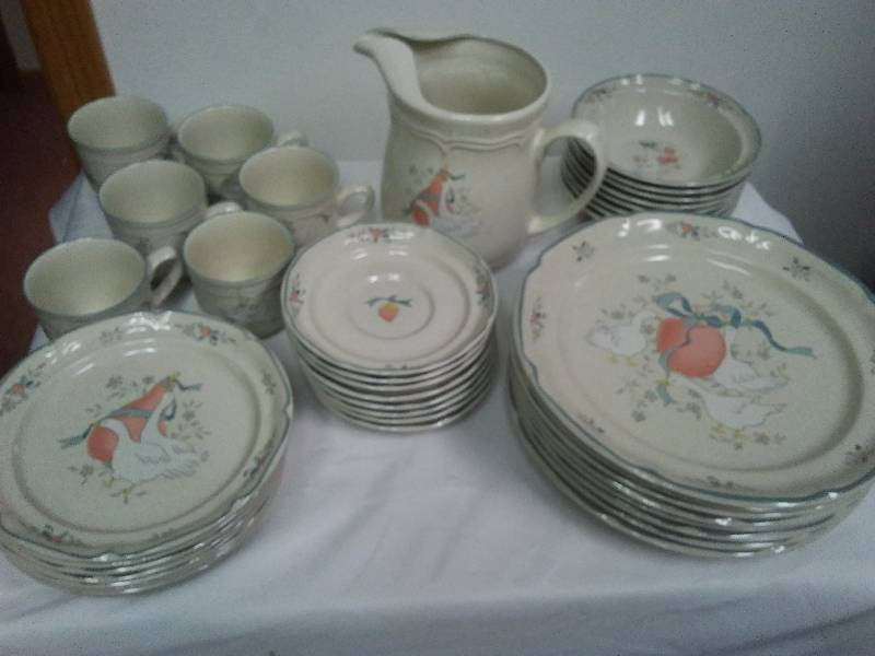 Complete Set of Stoneware Dishes, International �Marmalade�
