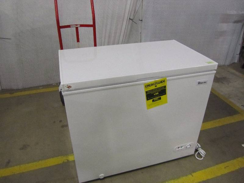 Magic Chef 6.9 cu. ft. Chest Freezer in White