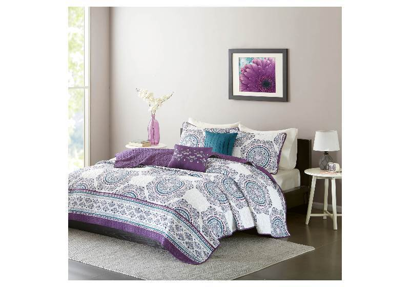 New Camryn Medallion Printed Quilt Set