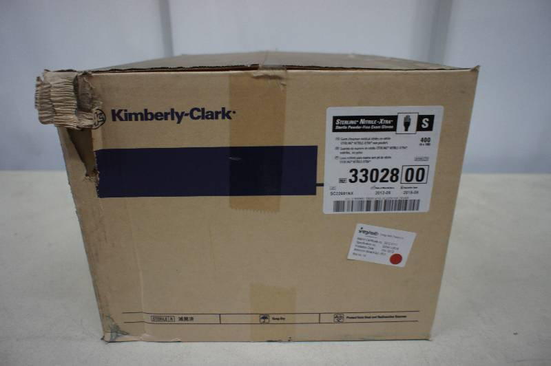 1 Case of Kimberly Clark - Sterling Nitrile - Xtra Sterile Powder Free Exam Gloves Size Small - 400 Pairs of Gloves