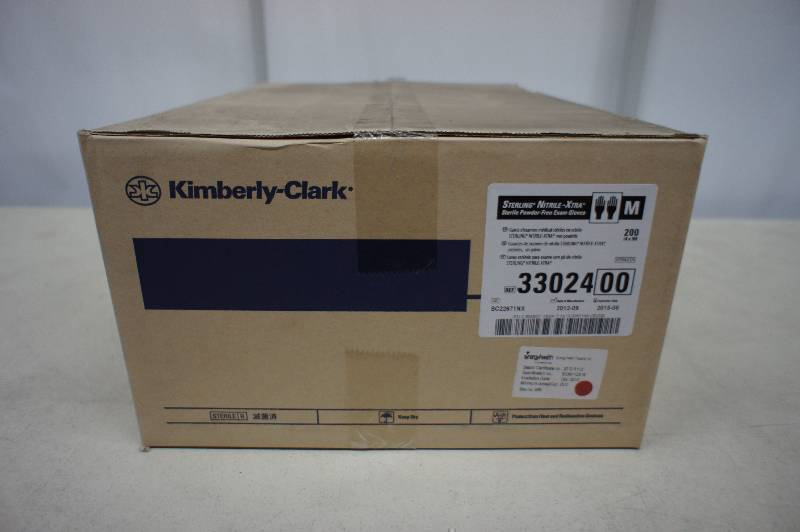 1 Case of Kimberly Clark - Sterling Nitrile - Xtra Sterile Powder Free Exam Gloves Size Medium - 200 Pairs of Gloves