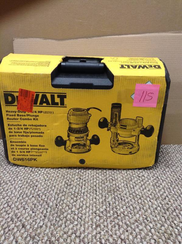 Dewalt 1-3/4 HP Fixed Base / Plunge Router Combo Kit DW616Pk used in like new condition