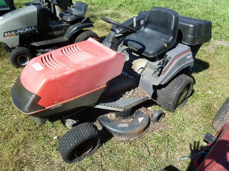 Noma LXI 1440 Riding Lawn Mower